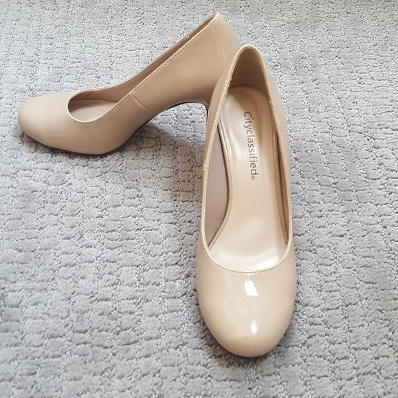 4969fae1e6e City classified nude heels. Size 6.5. Great cond.